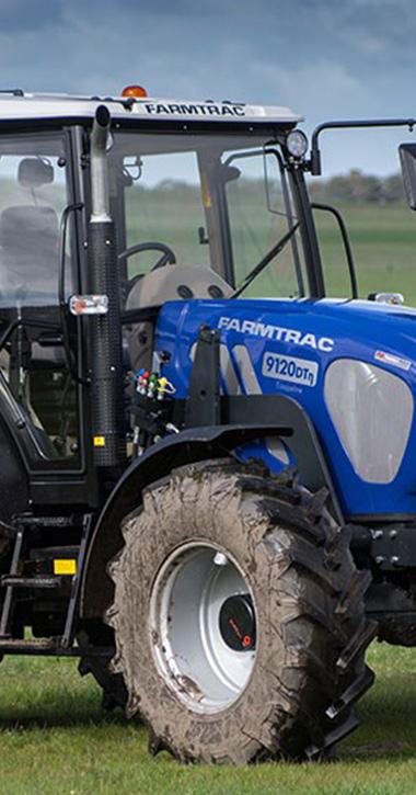 Traktory a kĺbové nakladače